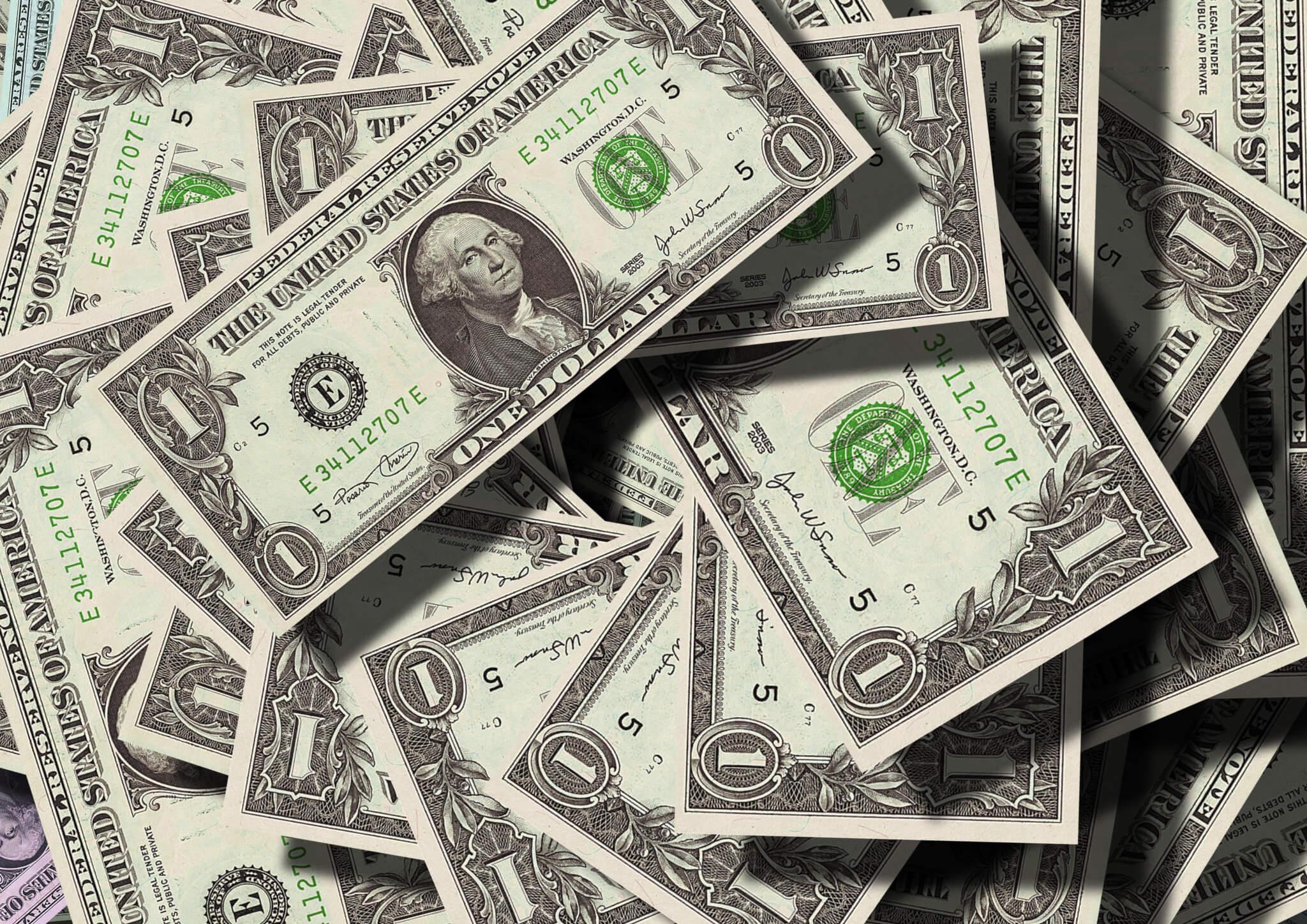 (Português do Brasil) A alta do dólar e a influência do coronavírus